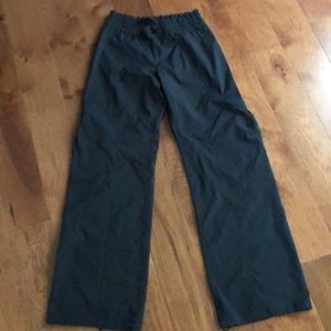 Lululemon Lightweight adjustable leg Pants size 4
